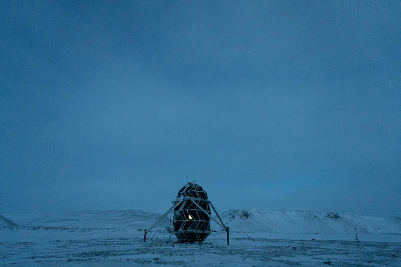 Exterior of the lunark pod in greenland, designed by saga space architects
